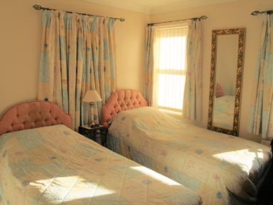 Meadow House - Rooms 2 Snooze